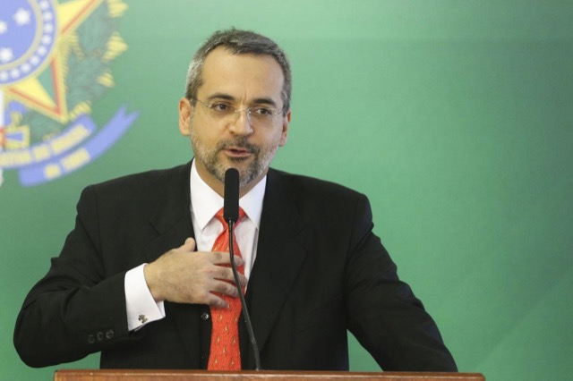 Com nova MP, Bolsonaro poderá indicar reitores temporários na ...
