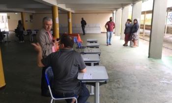 Votação na Regional Bairro Novo teve pouca movimentação durante a manhã. Foto: Isadora Deipp