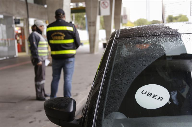 Carro da Uber em Curitiba. Foto: Luiz Costa /SMCS