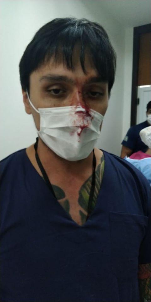 O médico Igor Kazuo foi agredido por um paciente contaminado.