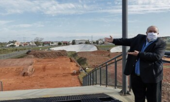 Greca inaugura pista de BMX para uma juventude que está presa em casa. Foto: Ricardo Marajó / SMCS